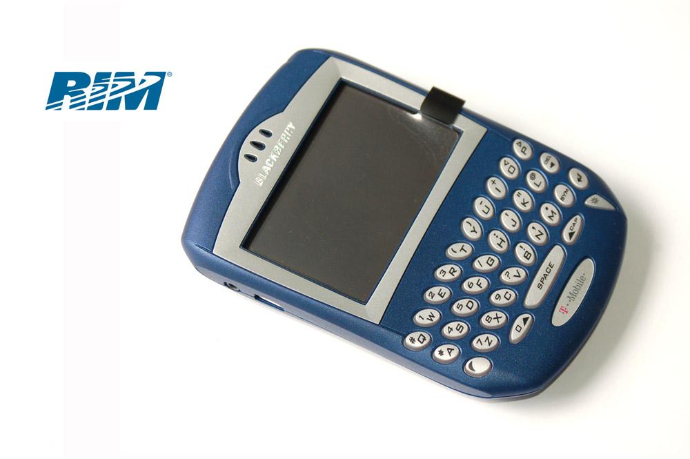 blackberry 7230 launched in 2003 theblackbgadget rh theblackbgadget wordpress com BlackBerry Curve 9330 Verizon BlackBerry Storm